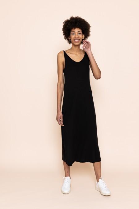 Triangle Flow Black Dress