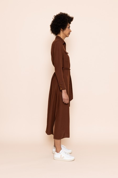 Long belted dress chocolate